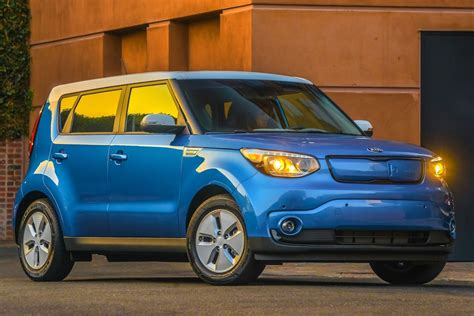 The 2016 Kia Soul Goes Electric With An Ev Model