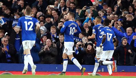 A Look at the Opposition: Premier League - Everton vs ...