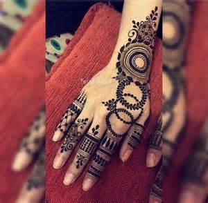 Best 25+ Arabic henna ideas on Pinterest | Arabic henna ...