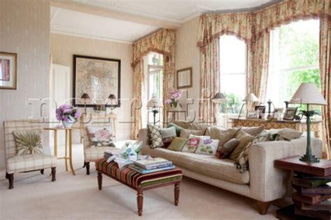 cream curtains bay window bedroom designs