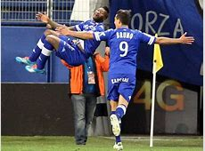 Bastia's French forward Djibril Cisse celebrates after