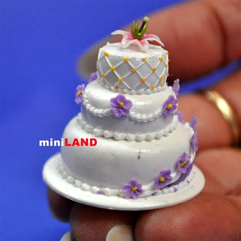 wedding cake   scale dollhouse miniature handmade