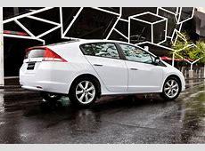 Honda Insight VTiL v Toyota Prius hybrid car comparison