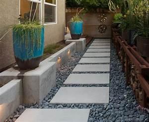 Kies Für Wege : idee zur gestaltung eines wegs mit platten und kies ~ Sanjose-hotels-ca.com Haus und Dekorationen