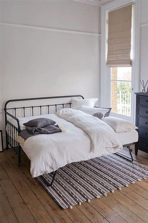 Hemnes bettgestell ein traumhaftes doppelbett in massivholz. Ikea Hemnes Bett Aufbauanleitung - Bauanleitung Ikea Malm Familienbett Familienbett / Betten ...