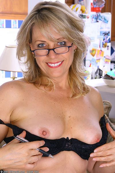9 To 5 Ladies Leah From Dallas Tx In