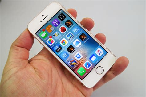 apple iphone se review a iphone se review the the world needed so bad