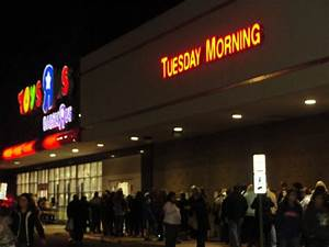 "Black Thursday: Toys ""R"" Us Opens at 9 p.m.Thanksgiving ..."