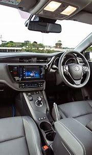Toyota Auris Touring Sports Hybrid interior and comfort ...