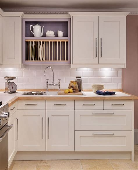 shaker style kitchen cabinets 29 best images about kitchen splashbacks on