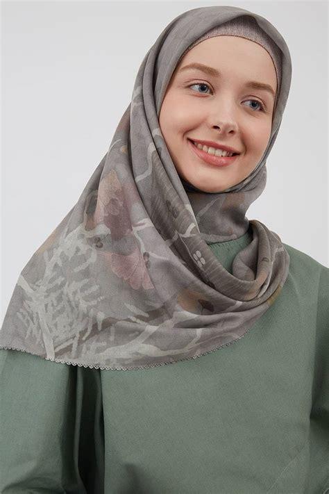 model hijab segi empat gaya pesta terbaru sederhana
