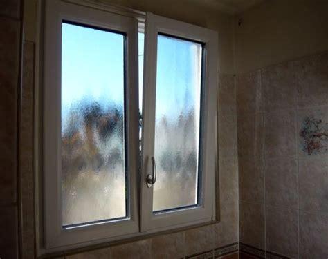 vitre opaque salle de bain