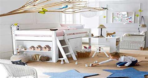 place du lit dans une chambre un lit combiné enfant pas cher deco cool