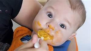 Ab Wann Kopfkissen Baby : ab wann soll ich meinem baby beikost geben ~ Markanthonyermac.com Haus und Dekorationen