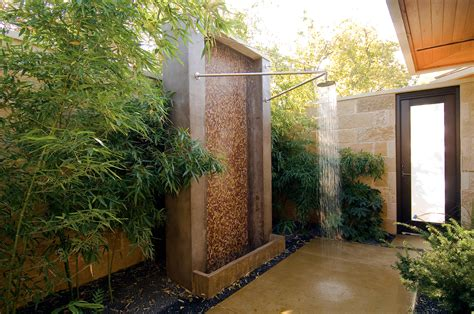 61 Luxuriant Outdoor Showers & Outdoor Bathtubs Exuding