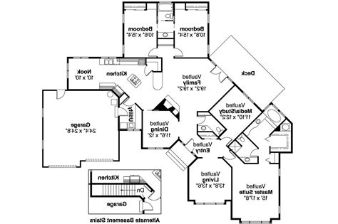 homes with 2 master bedrooms one story house plans two master bedrooms