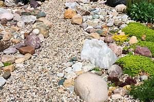 Steine Für Steingarten : steingarten ideen und tipps zur umrandung ~ Lizthompson.info Haus und Dekorationen