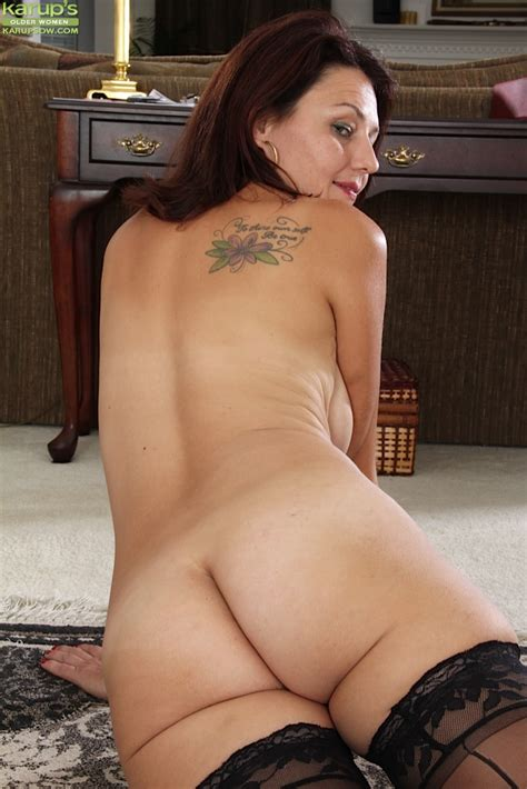 Hairy Mature Babe Ava Austin Wearing Only Stockings