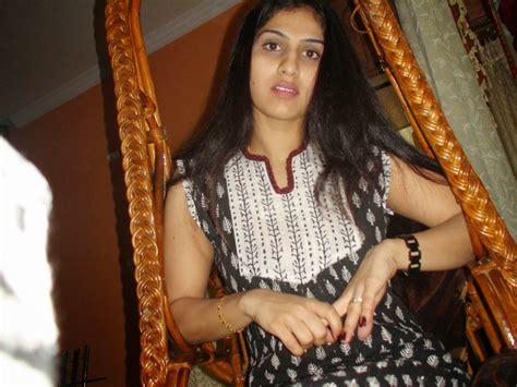 indian desi beautiful hot college girls leaked photos beautiful desi sexy girls hot videos