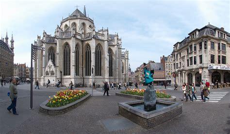 Bestand:Leuven Fochplein B.jpg - Wikipedia