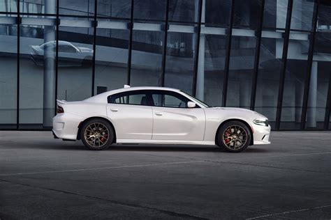 Official The 2018 Dodge Charger Srt Hellcat Gets Revealed