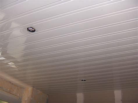 pose d un plafond en lambris pvc non class 233 171 pb multiservices