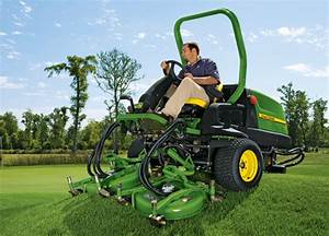 Image Gallery  John Deere Golf And Turf Equipment Grooming The Links