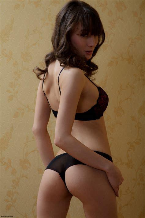 Tess In Explicit Striptease By Xart Photos Erotic