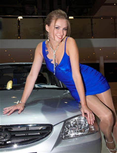 auto show models  short dress  pantyhose