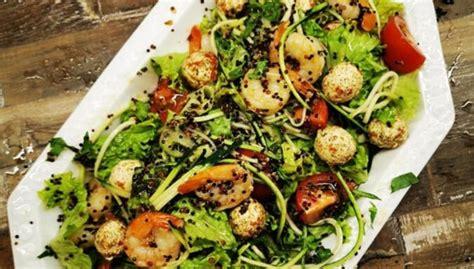 Kvinojas salāti ar garnelēm - DELFI