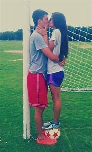 READ THE FAQ | Soccer (Football) Couples
