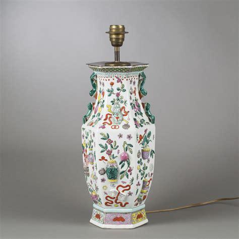 pied de le en porcelaine dans le style chinois xxe si 232 cle 2014100048 expertissim