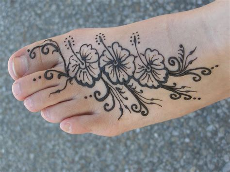 henna feet tattoo design