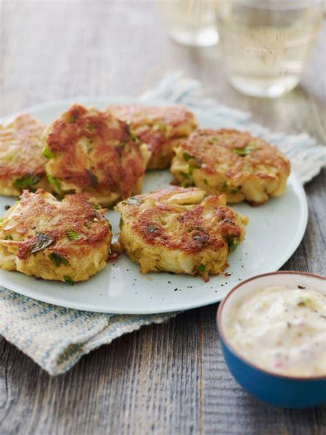 maryland crab cakes  quick tartar sauce    chef