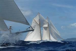 Sailing yachts racing at the Antigua Classic Yacht Regatta ...