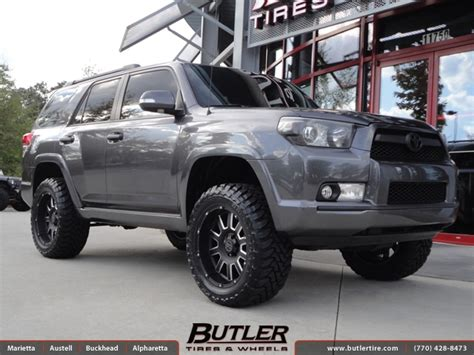 toyota runner   black rhino armour wheels