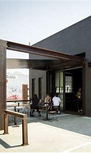 Code Black Coffee / Zwei Interiors Architecture | ArchDaily