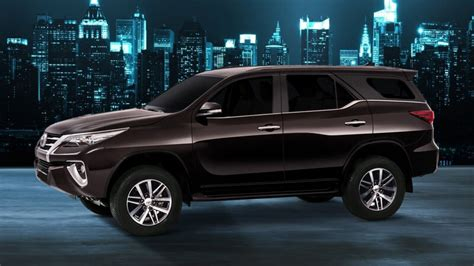 toyota fortuner  price  pakistan  pictures
