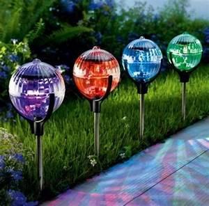 Lampe De Jardin : les lampes solaires de jardin clairage joli et cologique pour l 39 ext rieur ~ Teatrodelosmanantiales.com Idées de Décoration