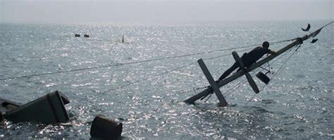 28 uss indianapolis sinking scene the uss