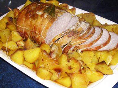 cuisiner roti de dinde rôti de porc à la boulangère la recette facile par