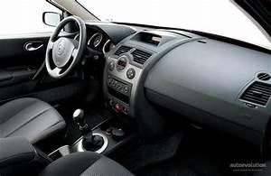 Renault Megane Estate Specs  U0026 Photos