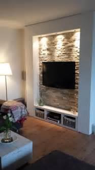 steinwand wohnzimmer fernseher die besten 25 steinwand wohnzimmer ideen auf steinwand innen tv wand beleuchtung