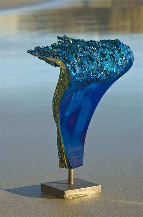 sculptures  resin artist