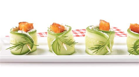 recette canapé saumon smoked salmon tapas with cucumber cheese and