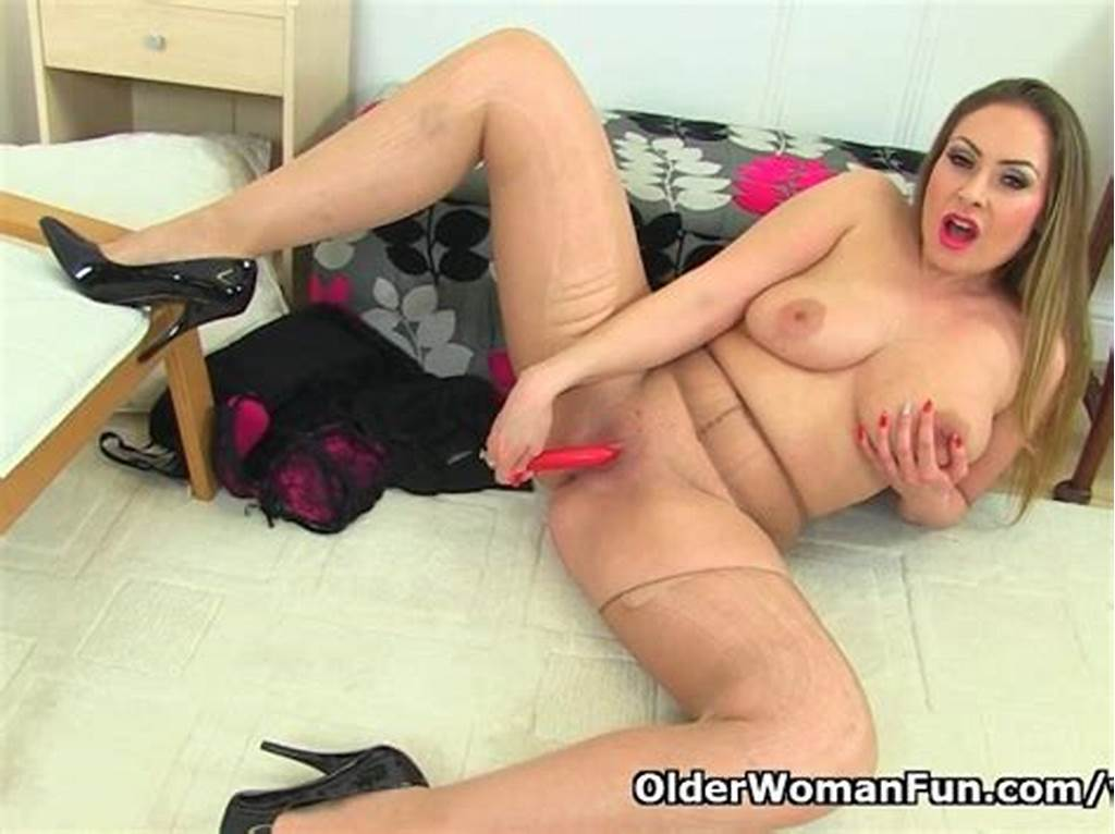 #English #Milf #Sophia #Delane #Rips #Open #Her #Tights #And #Plays