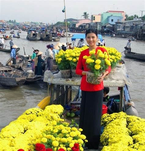 Saigon Flower Market Before Sunset Ho Chi Minh City Vietnam