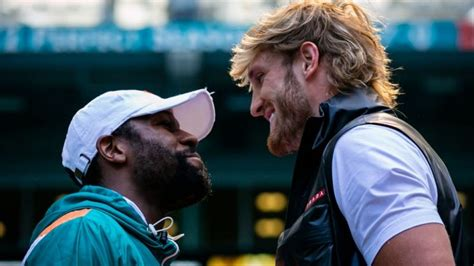 """Floyd mayweather returns to the boxing ring this weekend as he fights youtube star logan paul in a lucrative exhibition contest in miami. Fans rage at PPV price for """"embarrassing"""" Floyd Mayweather vs Logan Paul fight   Sportstoft"""