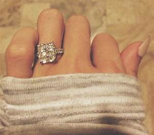 paulina gretzky and dustin johnson are engaged larry With wedding ring instagram