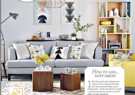 creating  spacious  alive living room  minimalist